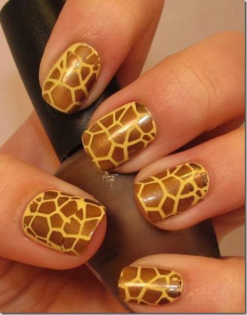 3.Giraffe prints