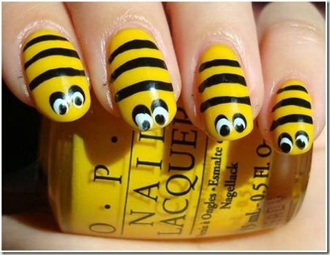 9.Bumblebee nails