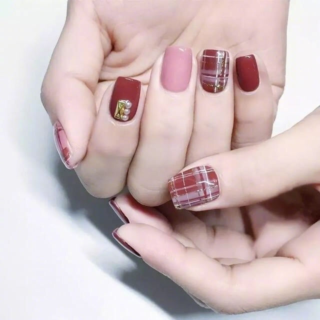 Summer Exquisite Minimalist Style Nail Art